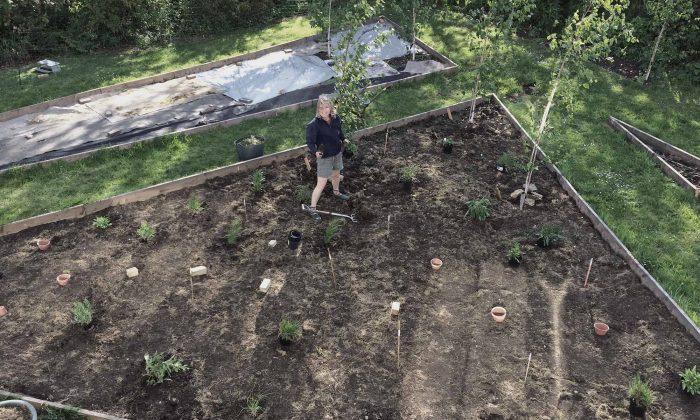 jo in garden